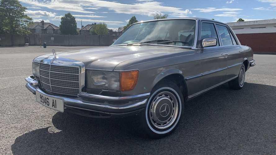 El antiguo Mercedes-Benz SEL de Bono está en venta