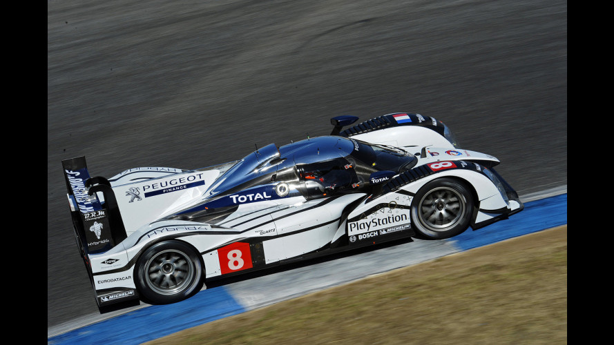 Peugeot 908 HYbrid4: battesimo all'Estoril