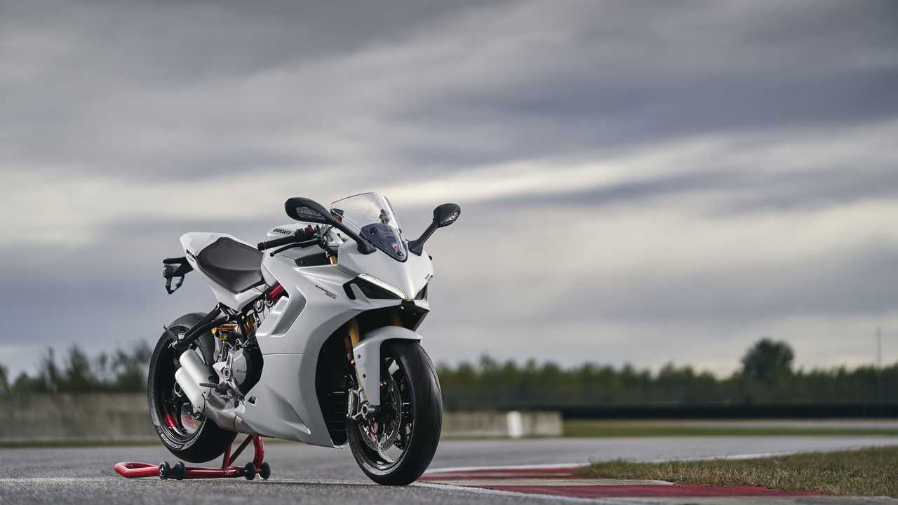 2021 Ducati SuperSport 950 S - Arctic White Silk - Right Side