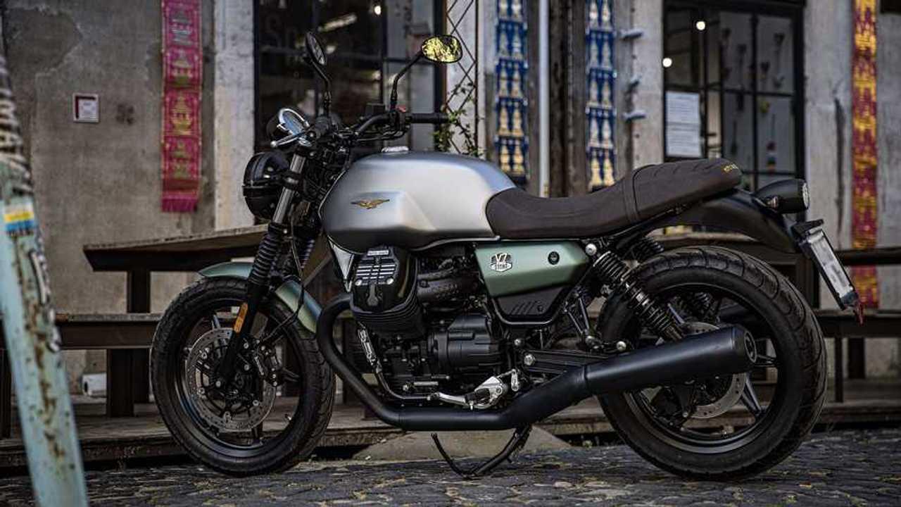 2021 Moto Guzzi V7 Centennial Livery