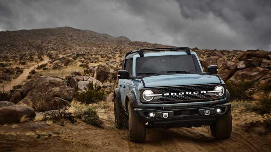 Novo Ford Bronco 2020 investe em estilo e robustez para encarar o Jeep Wrangler