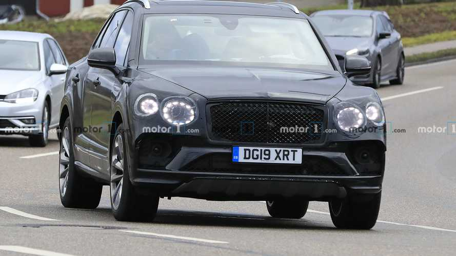 Bentley Bentayga facelift spy photos
