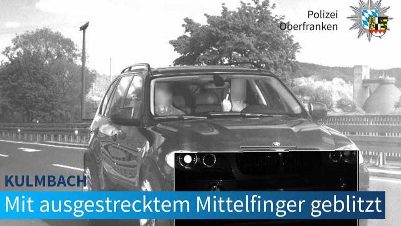 BMW X5 Radara Yakalanıyor