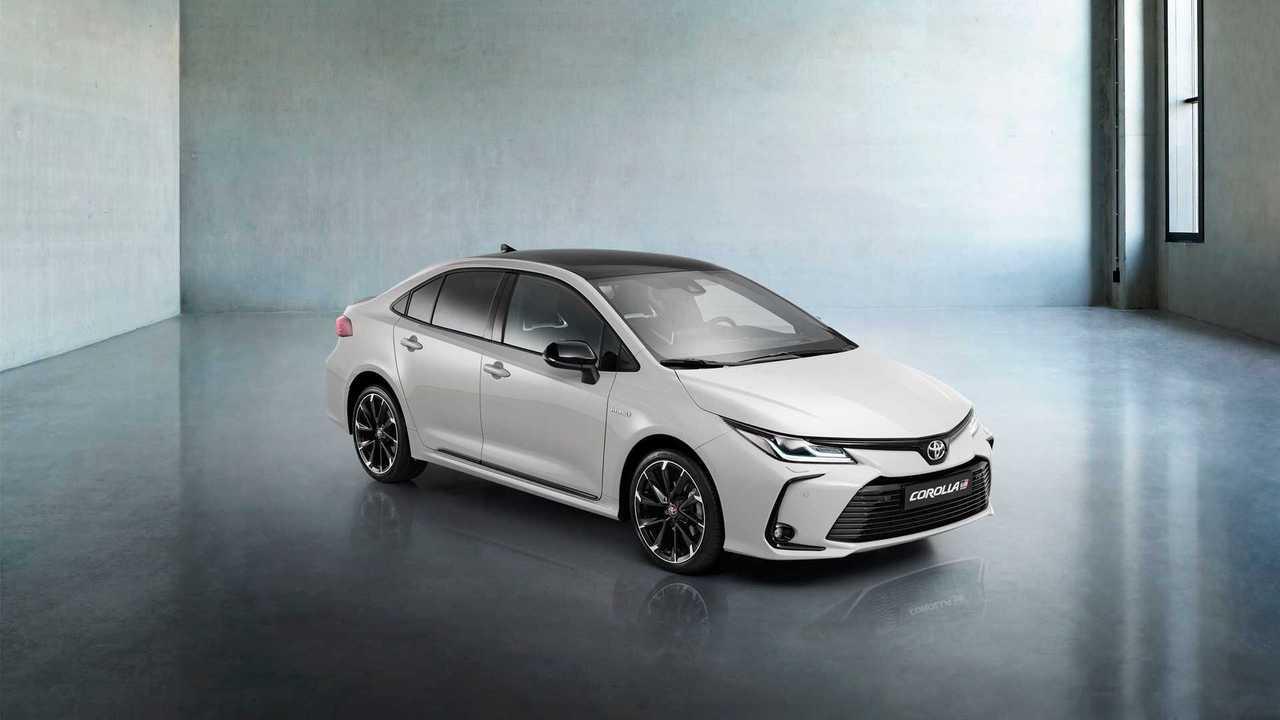 Экстерьер Toyota Corolla GR-Sport (2020)
