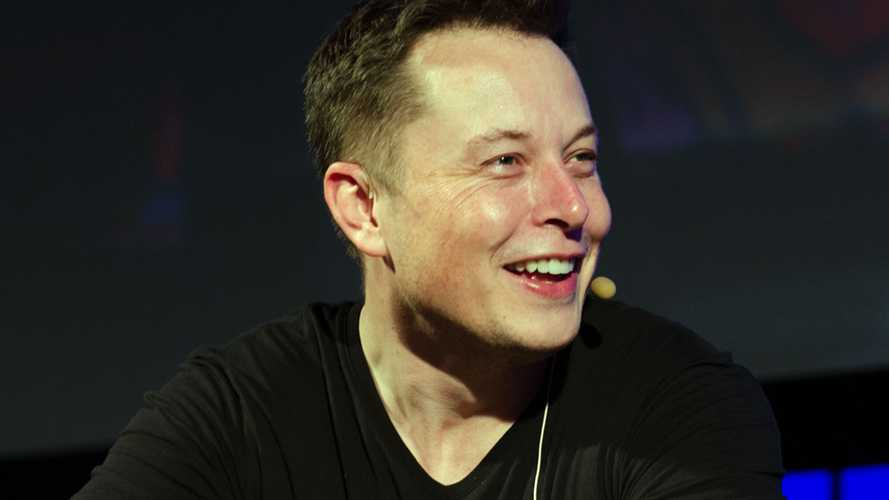 Elon Musk sbarca col botto su Clubhouse: Alieni, Bitcoin e viaggi su Marte