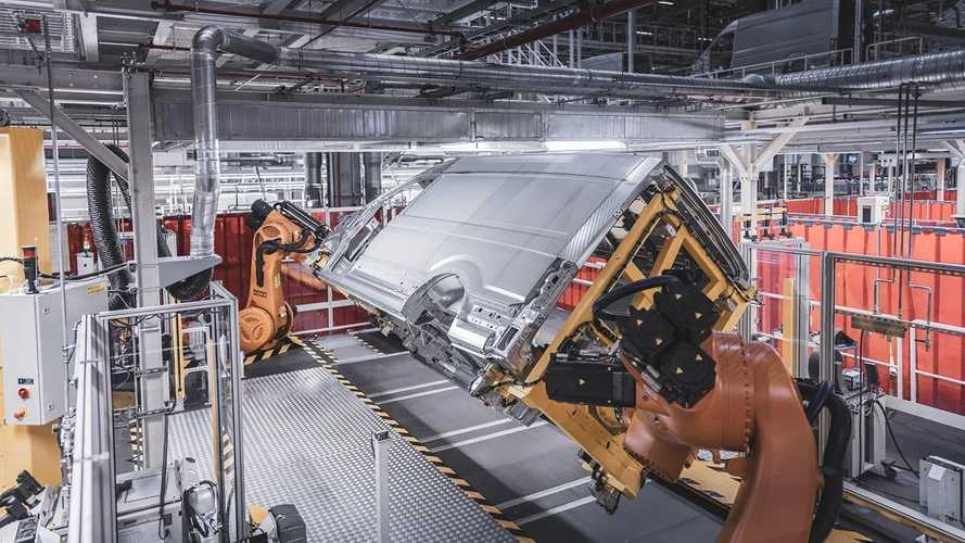Volkswagen Starts e-Crafter Production In Poland