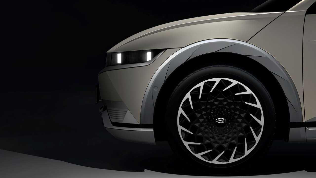 2022 Hyundai Ioniq 5 Teaser Wheel