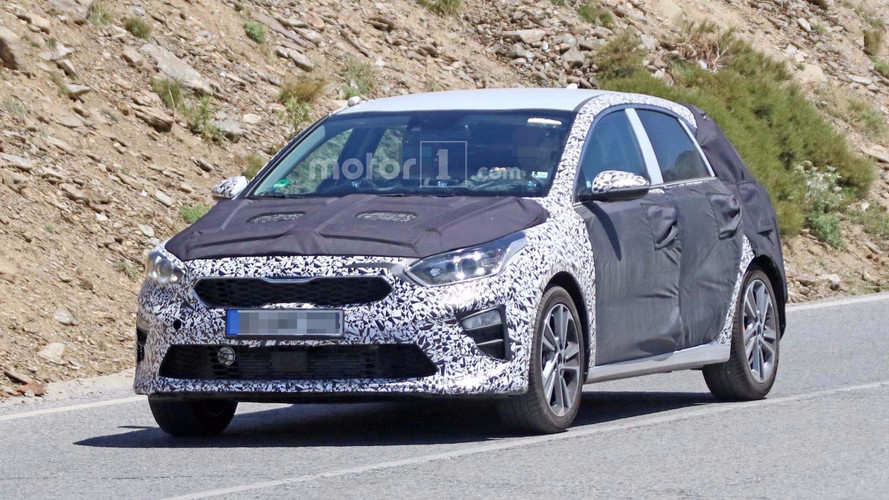 2018 Kia Cee'd Spied Wearing Less Camo In Hot Weather Testing