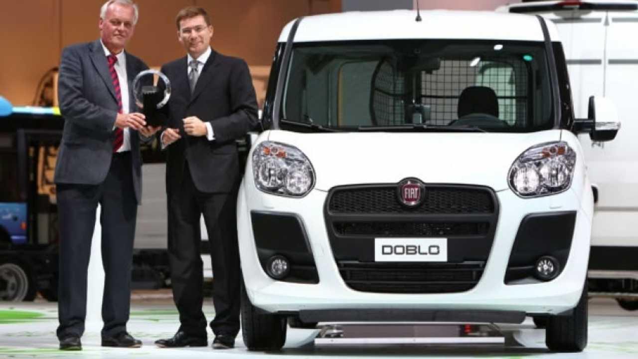 "Fiat Nuovo Doblò Cargo nominato ""International Van of the Year 2011"""
