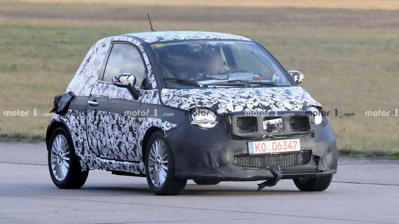 Fiat 500e prototype spy photo