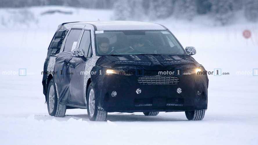 Next-Gen Kia Sedona Minivan Spied For First Time