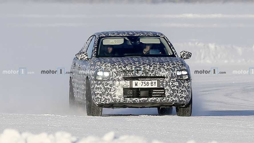 New Citroen C4 Spy Photos