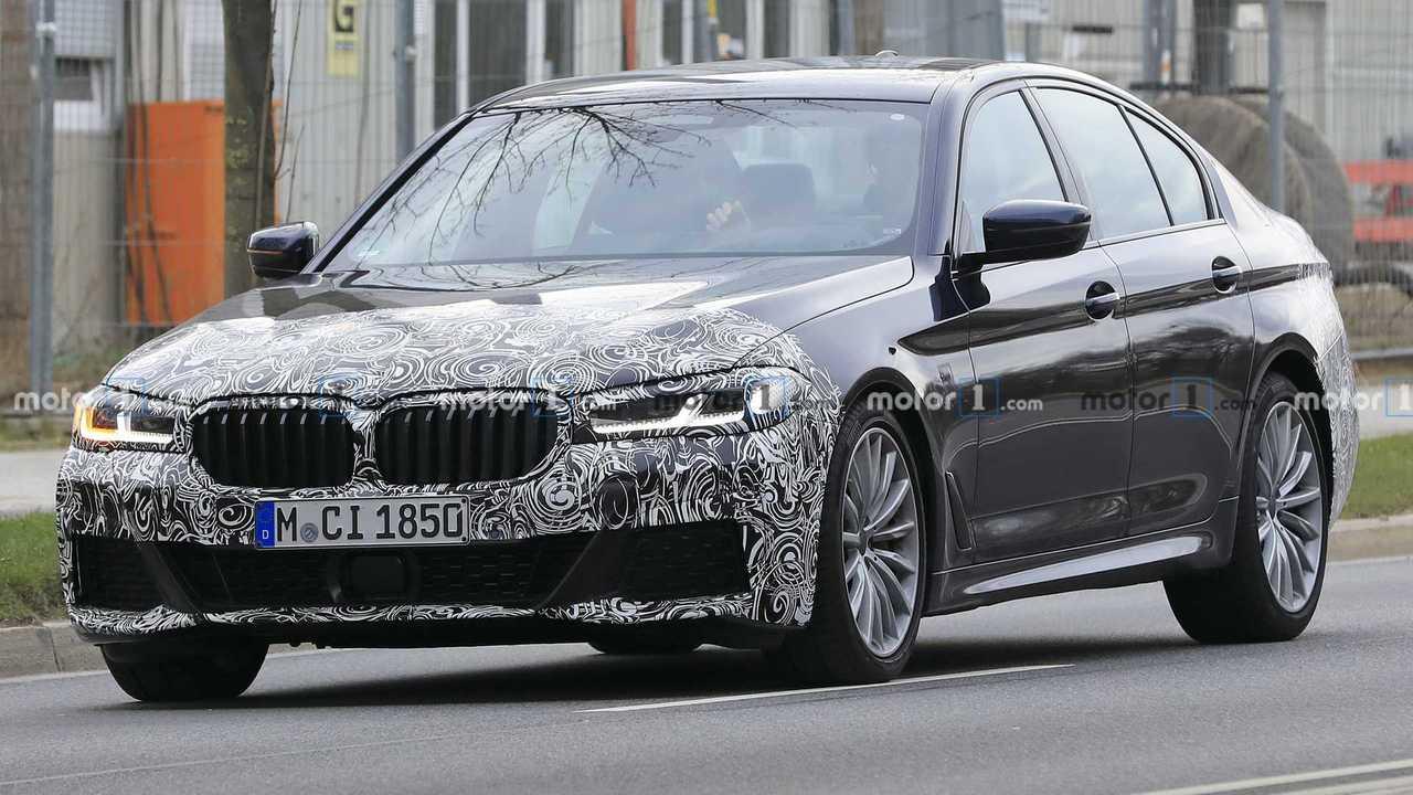 2021 BMW 5 Series facelift spy photo