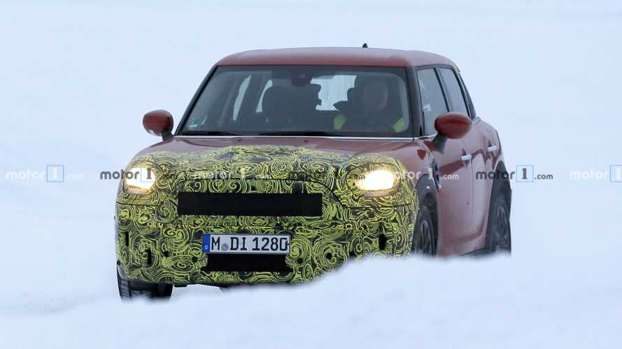 Mini Countryman facelift spy photos