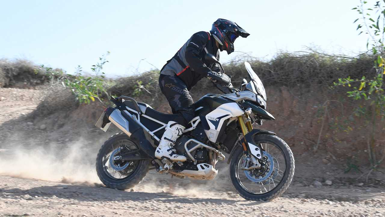 triumph tiger 900 test