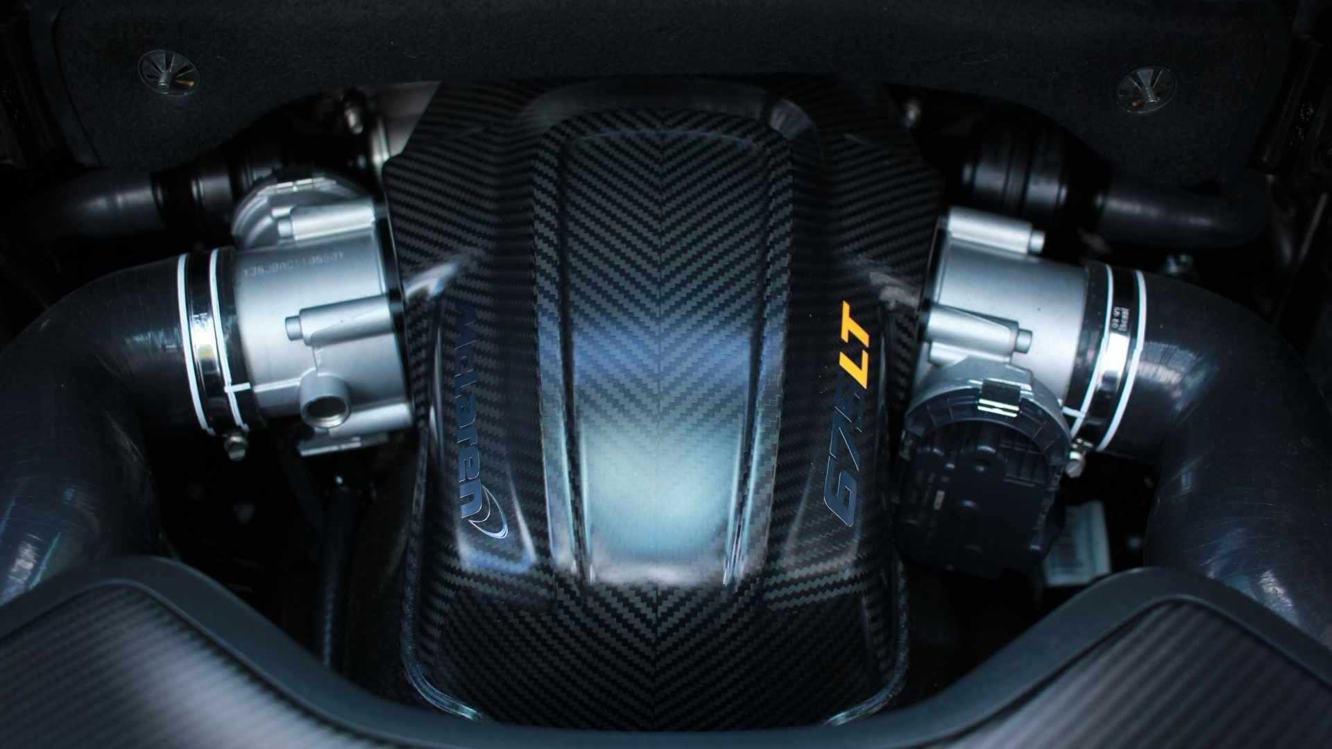 "[""Embrace The Power Of A 2016 McLaren 675LT Spider""]"