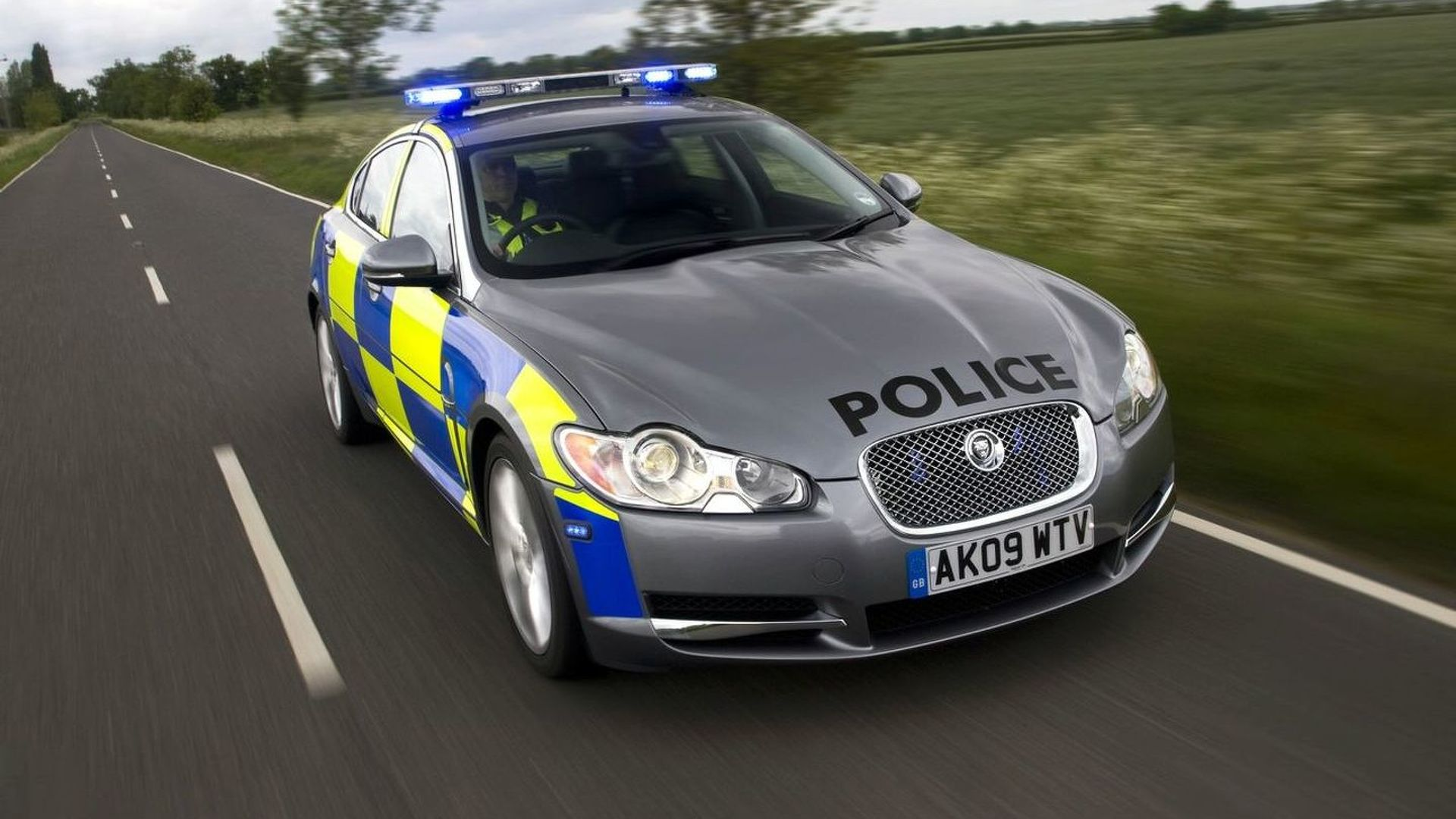Jaguar Xf Being Evaluated As Police Pursuit Car In The Uk