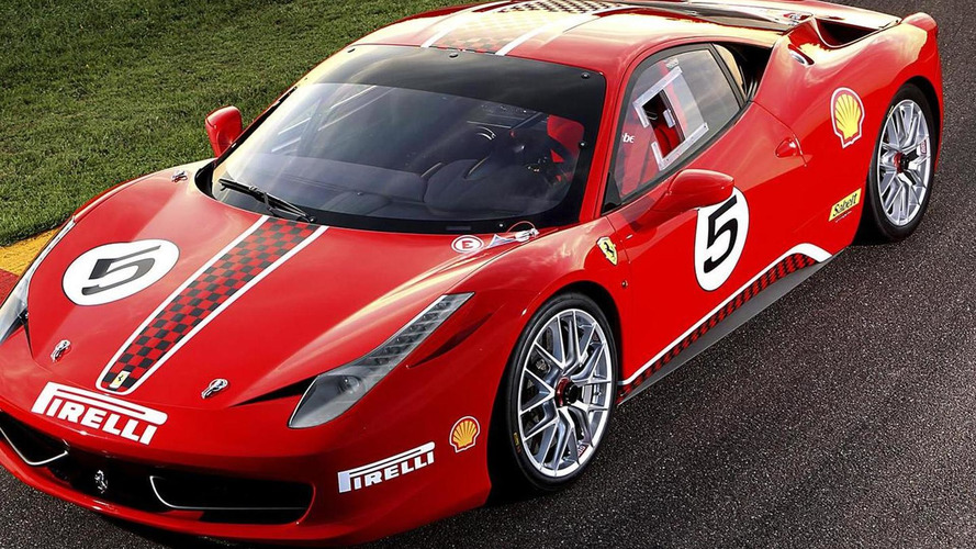 Ferrari 458 Italia Challenge roars on the track [video]