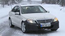 2011 Mercedes C-Class facelift winter spy photos - 19.02.2010