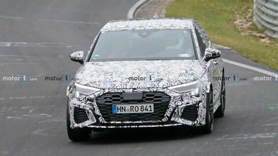 Audi RS 3 (2020): Neue Erlkönigfotos