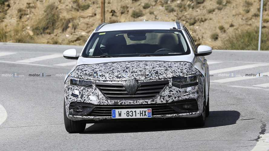 Renault Talisman break restylée photos espions