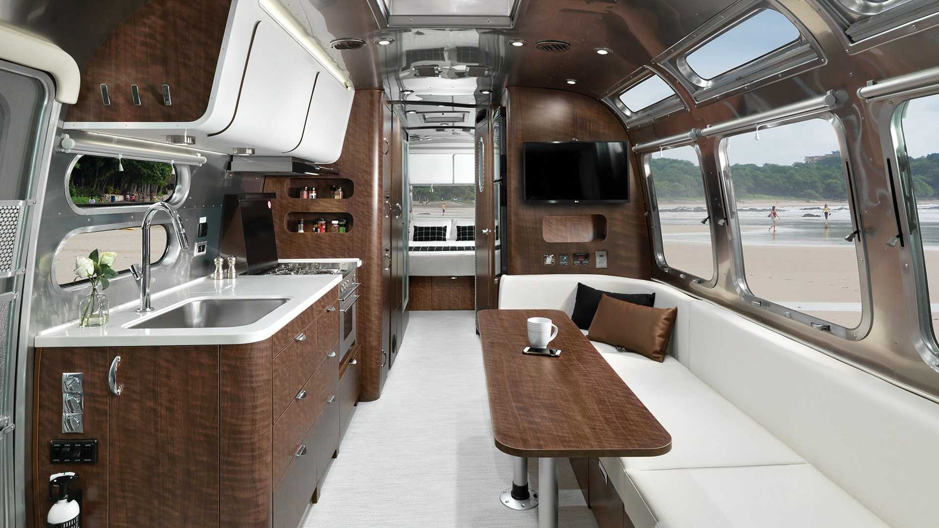 Airstream Globetrotter Gets Two New 30