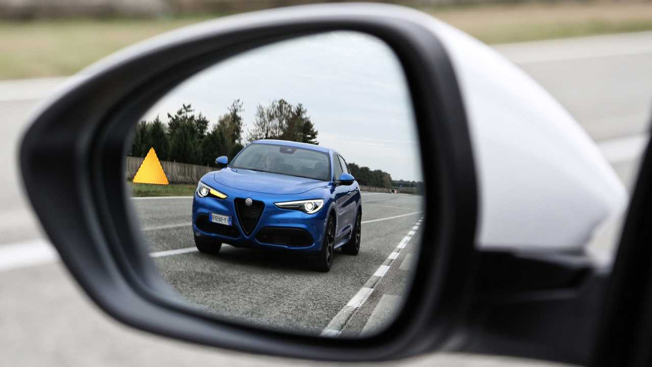 Alfa Stelvio in the mirror