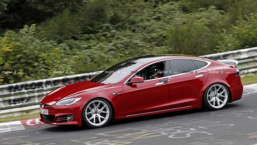 Tesla Model S, al Nurburgring con 7 posti per battere Taycan
