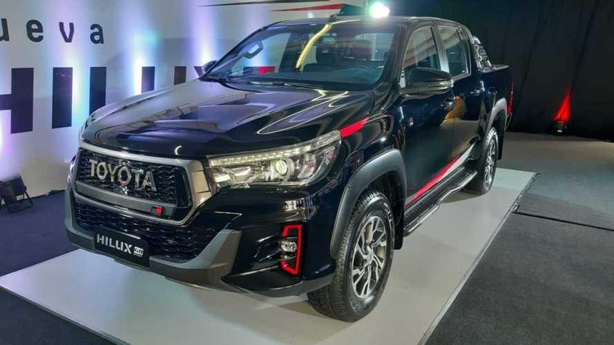 Toyota Hilux V6 GR Sport de 234 cv chega ao Brasil em fevereiro