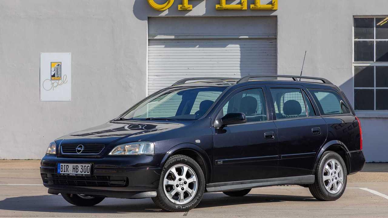 Dieser Astra von 2003 ergänzt jetzt die Opel-Oldtimersammlung