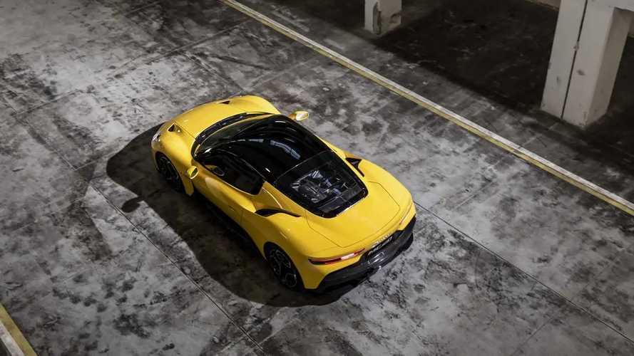 Bu Maserati MC20 Alman Otobanı'nda bir şeyler deniyor