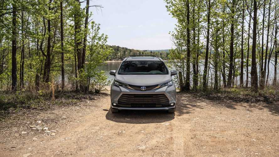 Toyota Sienna Woodland 2022 Special Edition