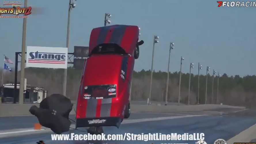 Vidéo - Une Chevrolet Camaro s'envole lors d'une course de dragsters