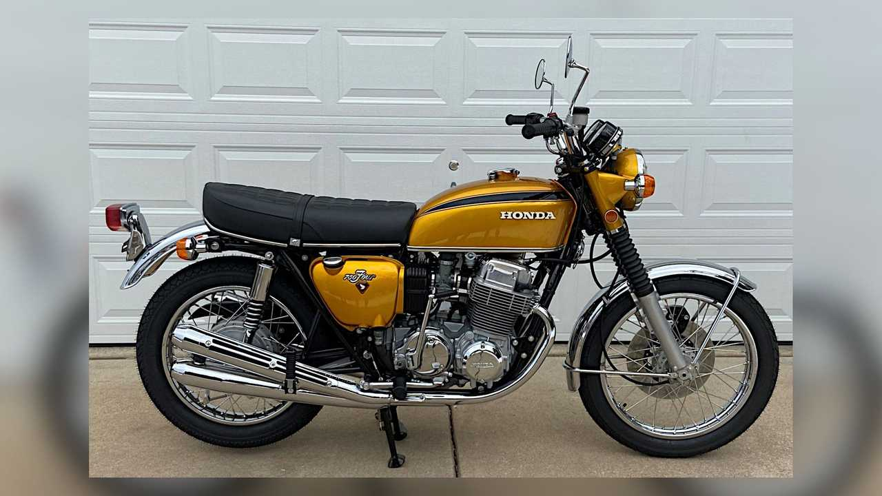1971 Honda CB750 - Right Side