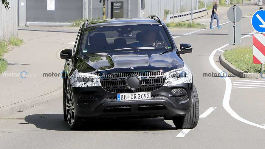 2022 Makyajlı Mercedes GLE İlk Casus Fotoğraflar