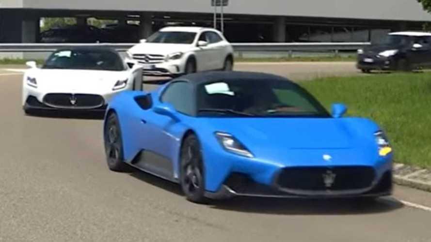 Cinq Maserati MC20 aperçues près de l'usine Ferrari