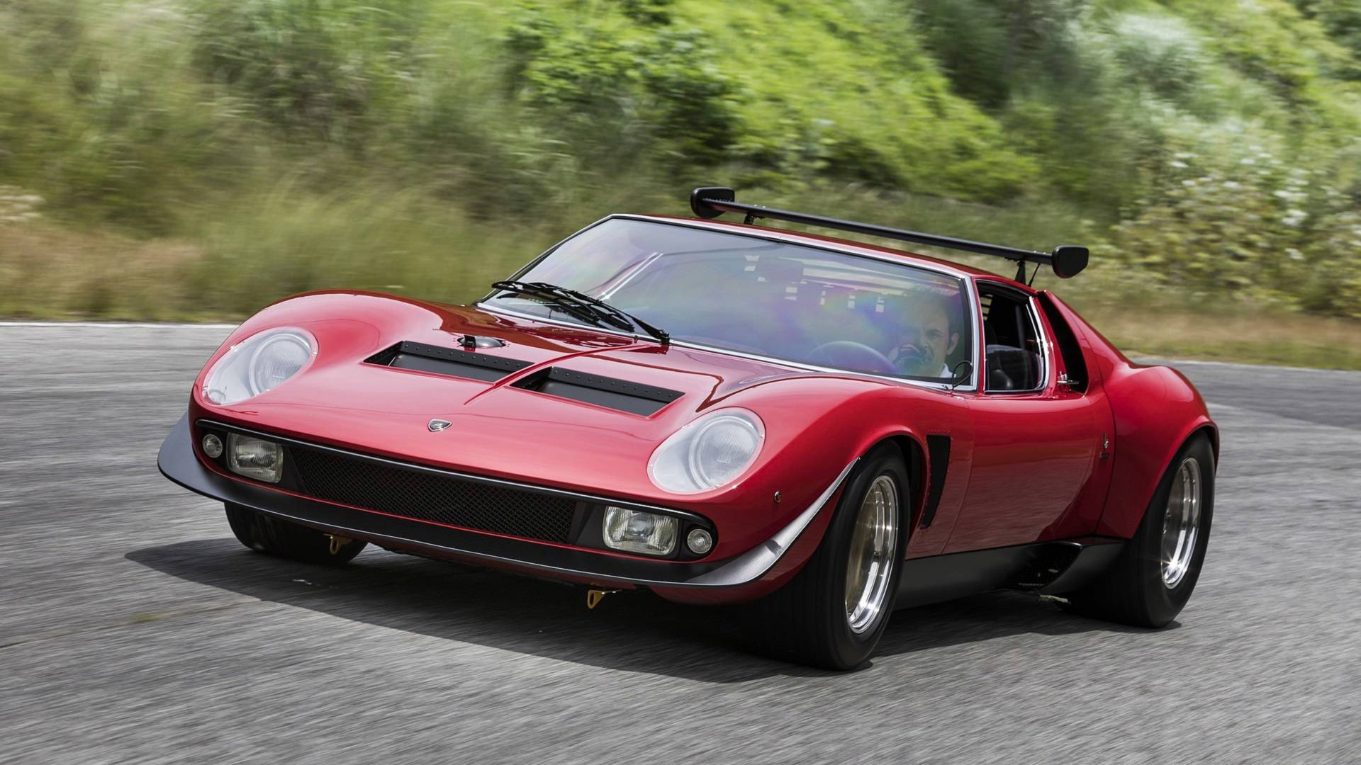 Lamborghini Fully Restores Miura Svr And It S Drop Dead Gorgeous