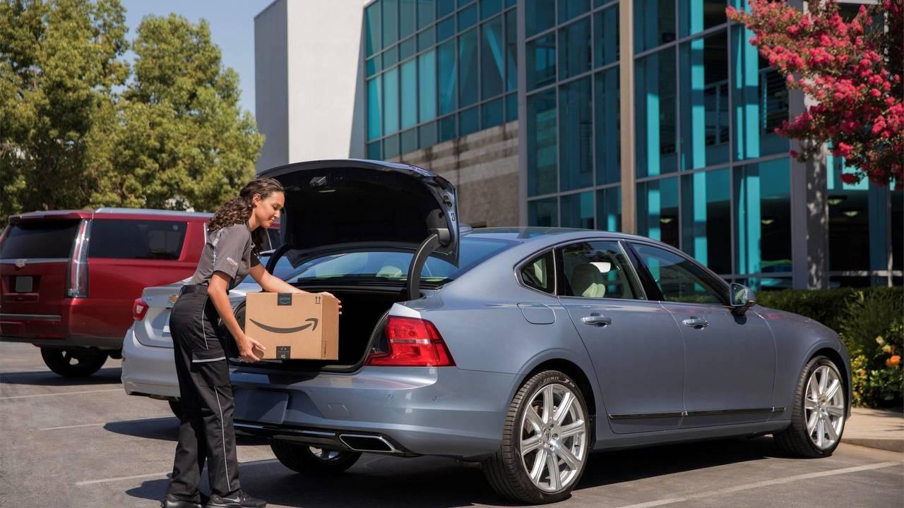 Volvo e Amazon, in car delivery