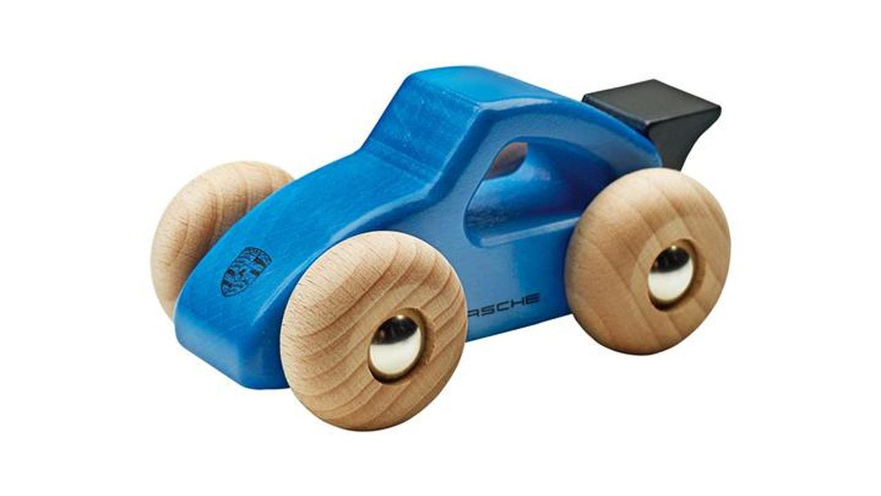 Porsche, oyuncak arabalarını geri çağırıyor