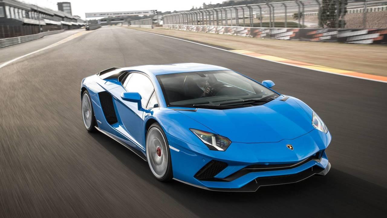 1.- Lamborghini Aventador S