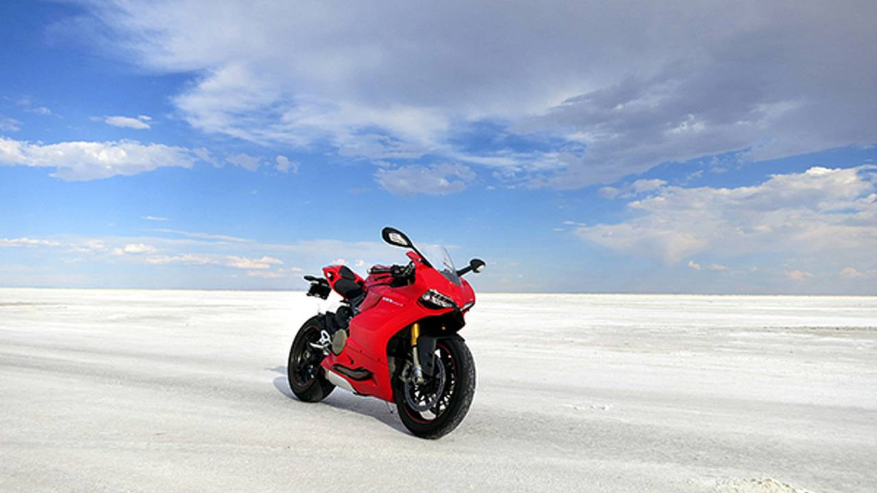 RideApart Review: Ducati 1199 Panigale S