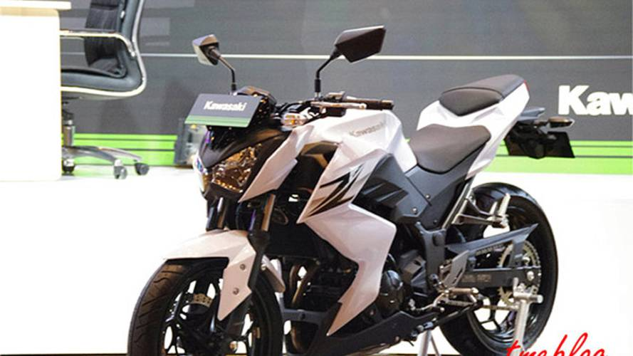 Kawasaki Z300: baby naked coming to America?