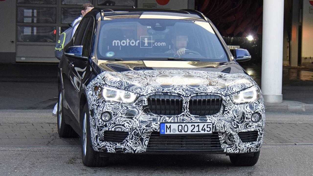 BMW X1 facelift spy photo