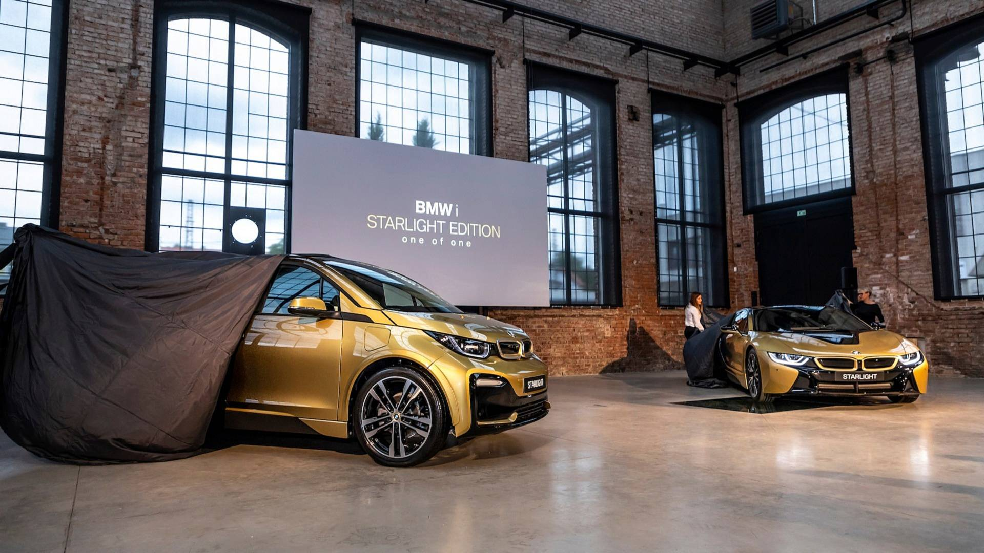 Flashy BMW i3 And i8 Starlight Edition Feature 24 Carat Gold Dust