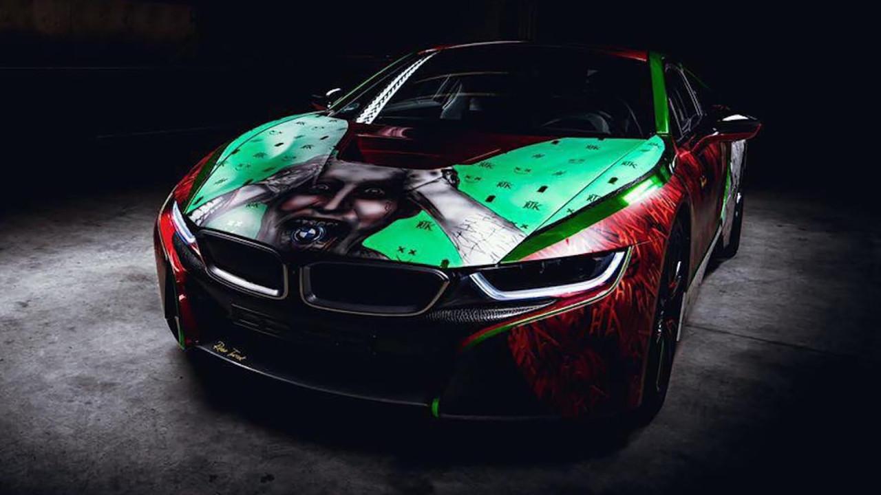 [Copertina] - BMW i8, il tuning ispirato al Joker