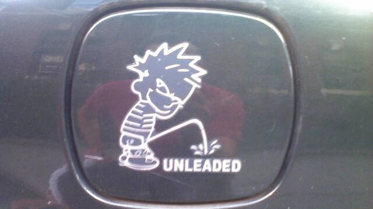 Calvin peeing decal