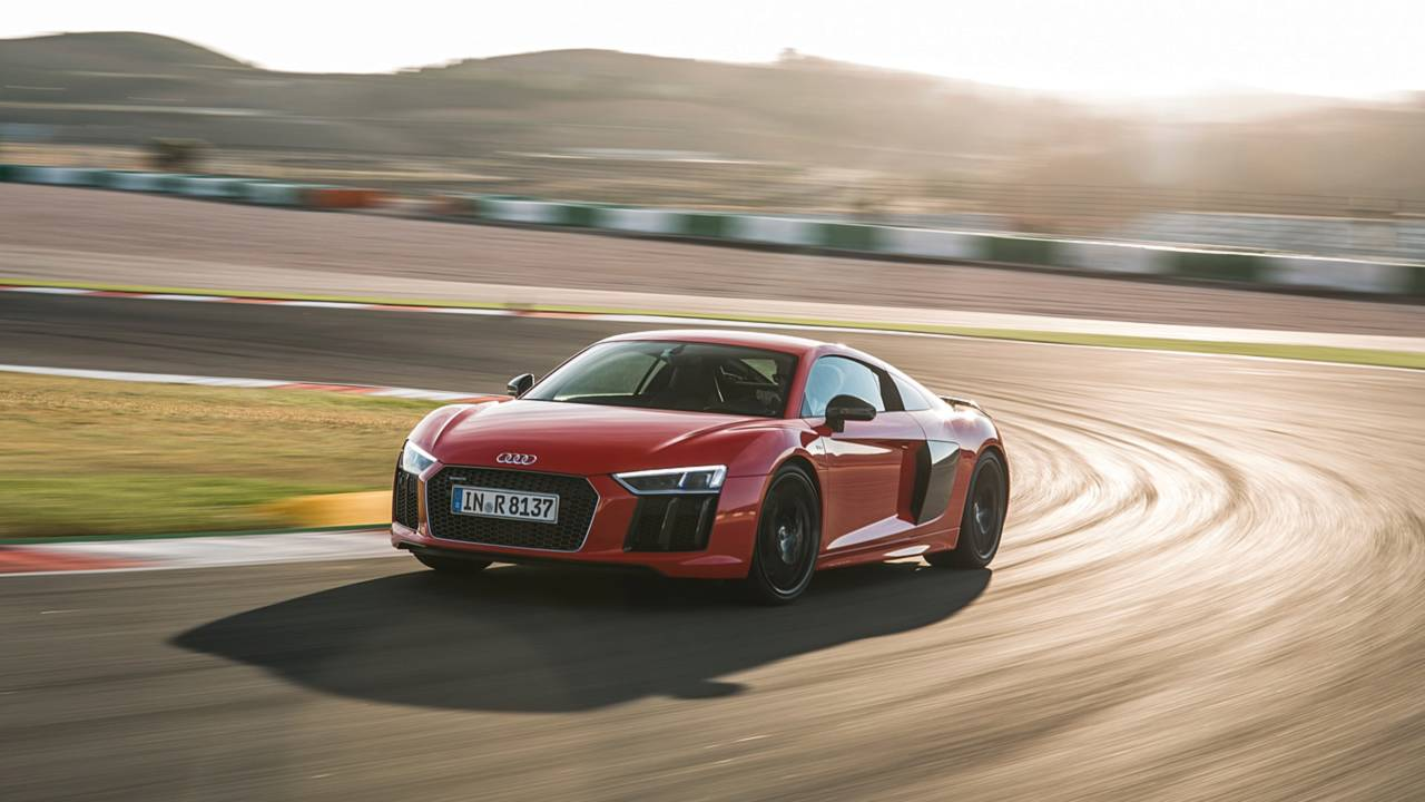4. Audi R8 Coupe