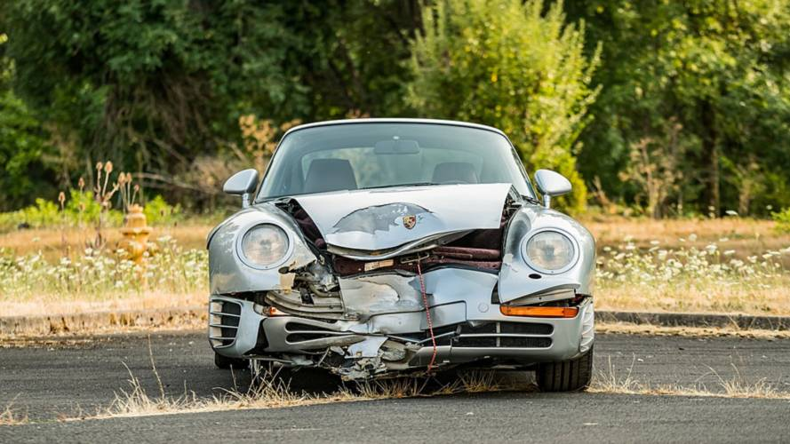 Közel félmillió dollárt adtak az összetört Porsche 959 Komfortért
