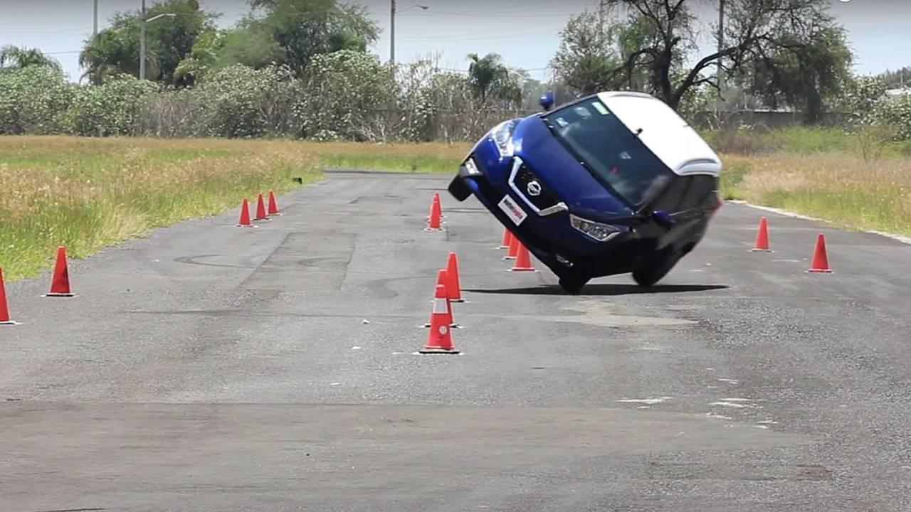 Nissan Kicks Moose Test