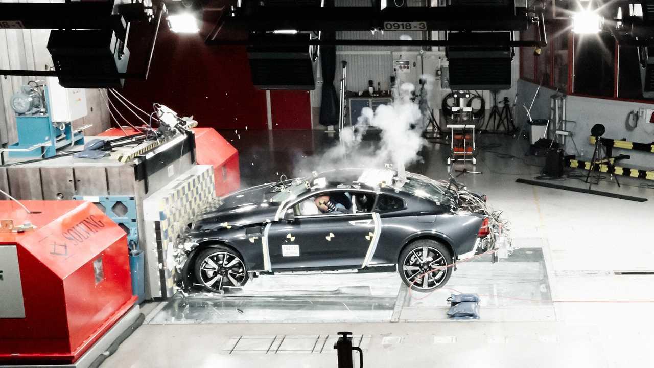 Polestar 1 crash-test